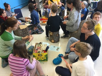 À l'ouverture de notre bibliothèque scolaire le Récif. Photo par Karine Dubé.